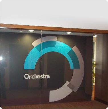 Orckestra – vinyl logo on glass