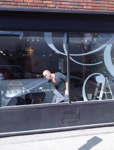 evenia coiffure – Vinyl decor on window
